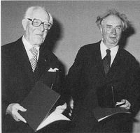 Jochum & Kubelík receiving the Hartmann medal